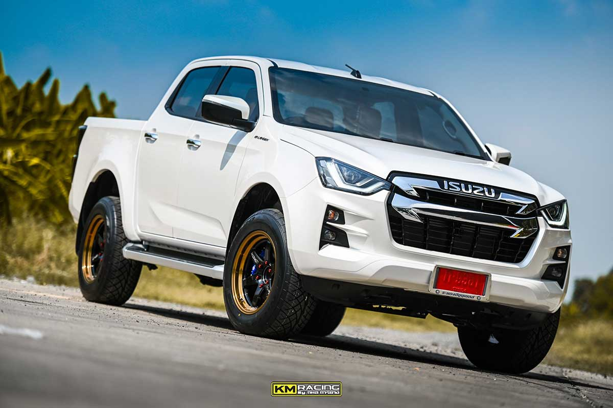 all new isuzu dmax white lenso 02
