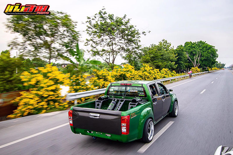 all new isuzu dmax green 06