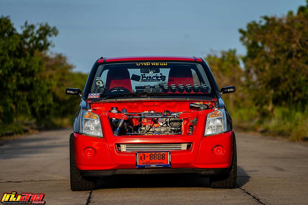 isuzu red 02
